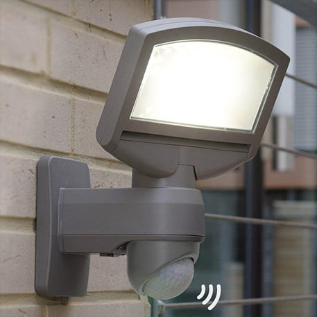 Lord Sunshine LED solar ext wall light with module