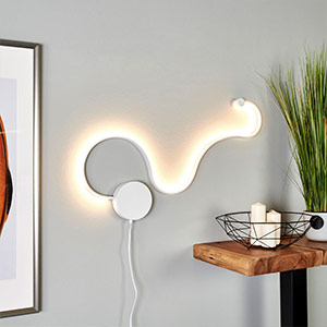 Extravagant LED wall lamp Sandor